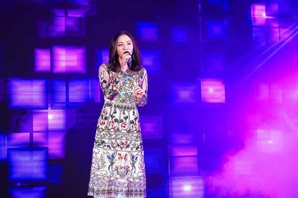 Hé lộ vai diễn cô nàng ngổ ngáo của Ngọc Thanh Tâm - Ảnh 10.