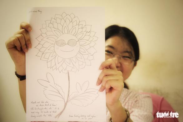 Hoa hướng dương chung sức giúp bệnh nhi ung thư - Ảnh 2.