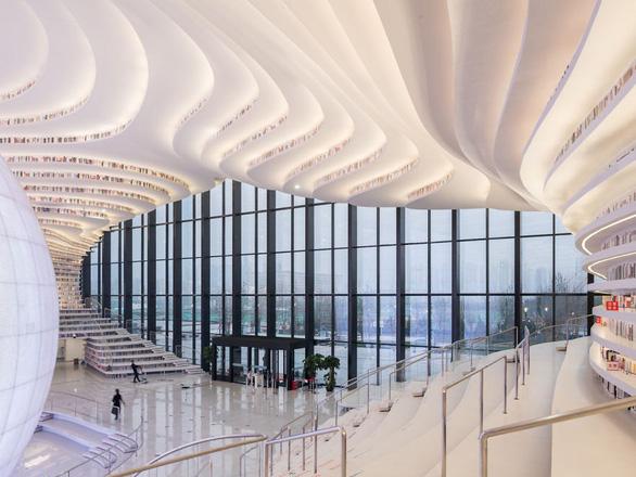 Ngắm thư viện độc đáo lưu giữ 1,2 triệu cuốn sách - Ảnh 11.