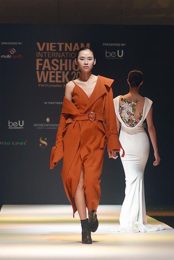 Công Trí mở màn Tuần lễ thời trang quốc tế Việt Nam - Ảnh 11.