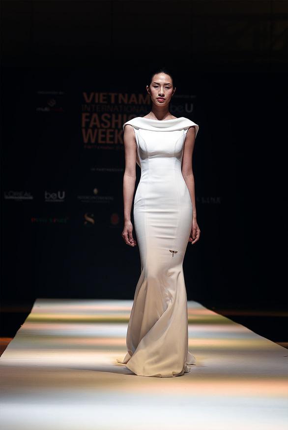 Công Trí mở màn Tuần lễ thời trang quốc tế Việt Nam - Ảnh 12.