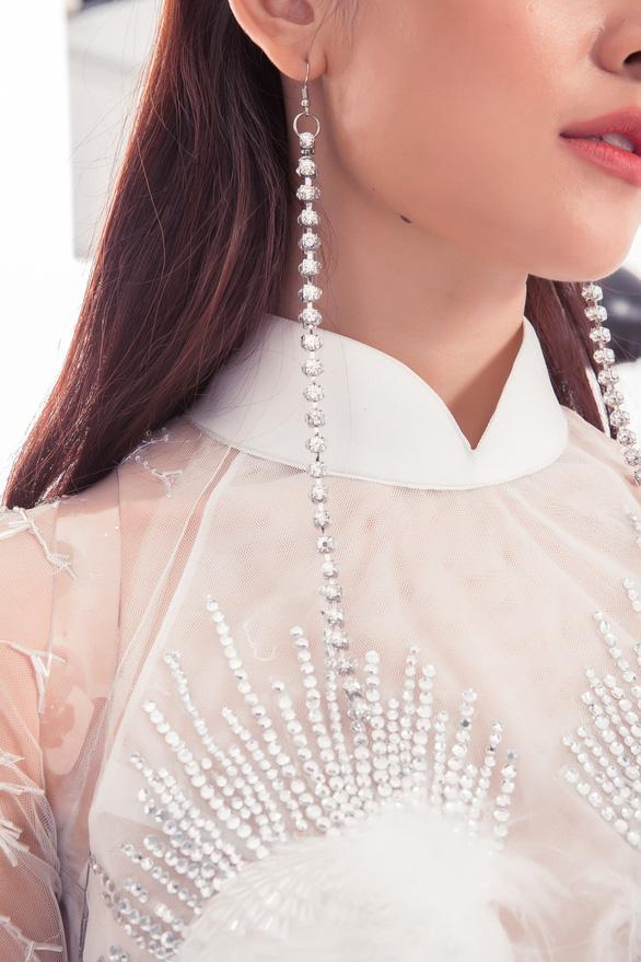Ngắm trang phục dân tộc của Thùy Dung ở Miss International  - Ảnh 8.