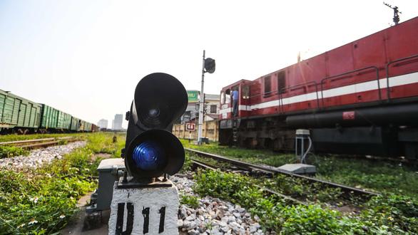 Hệ thống tín hiệu tự động ngàn tỉ khiến tàu lửa suýt tông nhau - Ảnh 3.