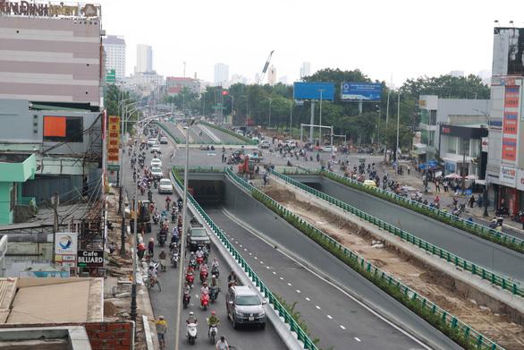 Đà Nẵng thông xe hầm chui đón APEC - Ảnh 1.
