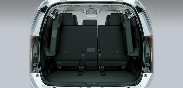 Toyota Innova Venturer giá 855 triệu ra mắt thị trường VN - Ảnh 5.