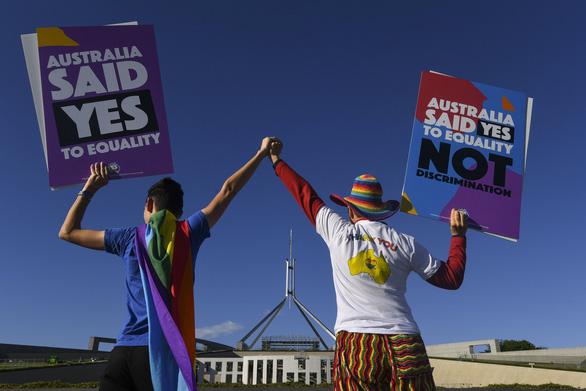 Úc chính thức thừa nhận hôn nhân đồng giới - Ảnh 2.
