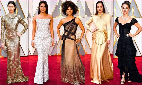 10 bộ váy Oscar được săn lùng nhiều nhất trên mạng năm 2017 - Ảnh 1.