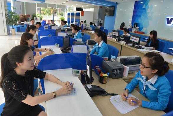 Techcombank 'hé lộ' nhân sự ghế nóng - Ảnh 1.