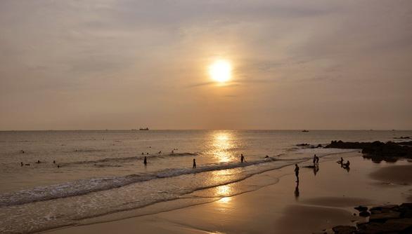 Vũng Tàu lột xác nhờ cấm ăn nhậu, xả rác trên bãi biển - Ảnh 3.
