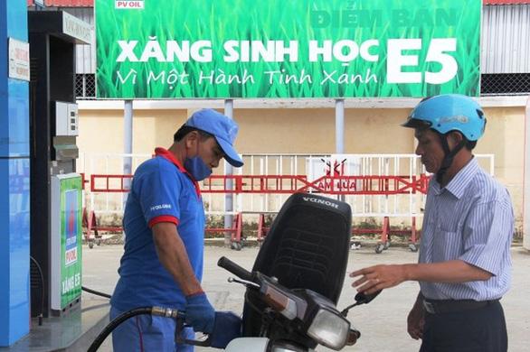 Chi mạnh Quỹ bình ổn, giữ nguyên giá xăng dầu - Ảnh 1.