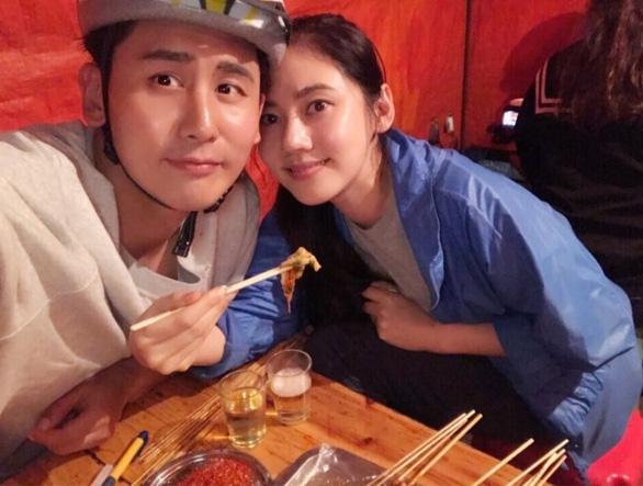 Điểm mặt cặp sao Hàn nổi tiếng hơn sau khi kết hôn - Ảnh 11.