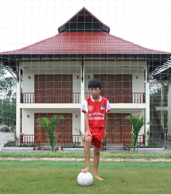 Loạt ảnh bé thơ đốn tim fan nữ của U23 Việt Nam - Ảnh 3.