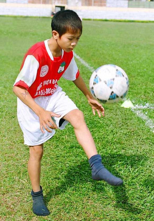 Loạt ảnh bé thơ đốn tim fan nữ của U23 Việt Nam - Ảnh 6.