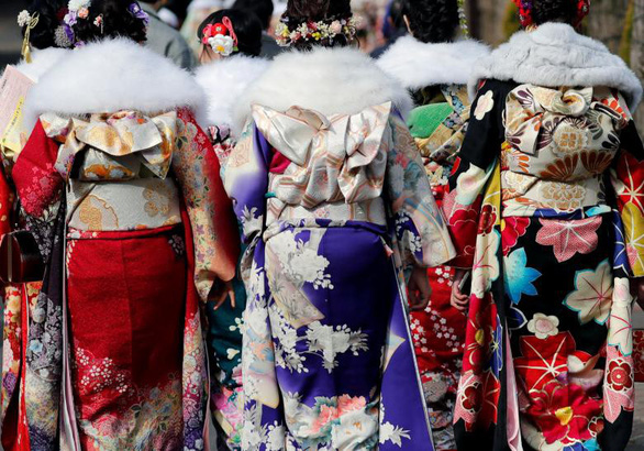 Thiếu nữ Nhật rạng rỡ kimono trong lễ trưởng thành - Ảnh 10.