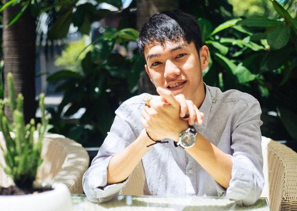 Nhà sản xuất âm nhạc Túy âm, Buồn của anh: sáng tạo từ tiệm internet - Ảnh 1.