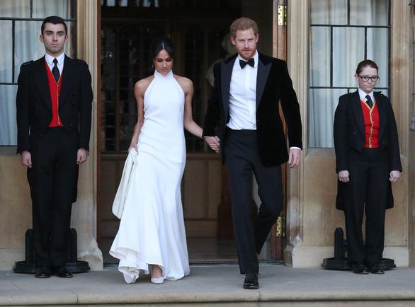Vợ chồng hoàng tử Anh Harry sắp có con đầu lòng - Ảnh 1.