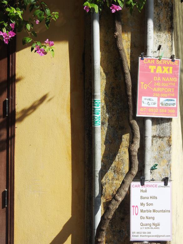 Tường vàng xưa Hội An đang bị graffiti băm nát - Ảnh 8.