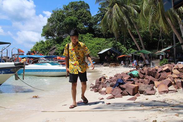 Nhiều đảo ở nam Phú Quốc đang bị tàn phá - Ảnh 3.