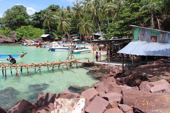 Nhiều đảo ở nam Phú Quốc đang bị tàn phá - Ảnh 1.