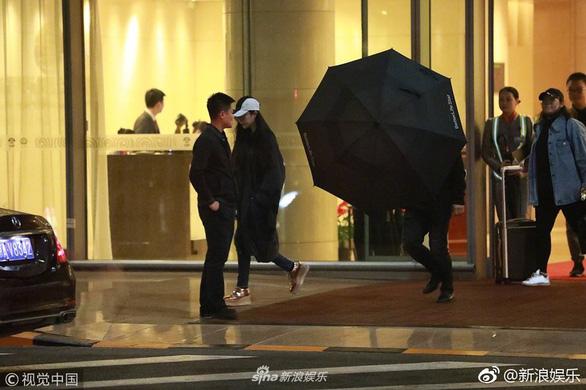 Phạm Băng Băng tái xuất ở Bắc Kinh sau nhiều tháng 'mất tích' - Ảnh 1.