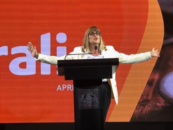 Lãnh sự Úc Karen Lanyon: Phụ nữ Việt Nam định hình đất nước và gia đình - Ảnh 5.