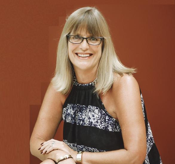 Lãnh sự Úc Karen Lanyon: Phụ nữ Việt Nam định hình đất nước và gia đình - Ảnh 1.