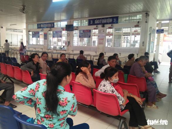 Bệnh tay chân miệng ở Vĩnh Long tăng gần 3 lần  - Ảnh 1.