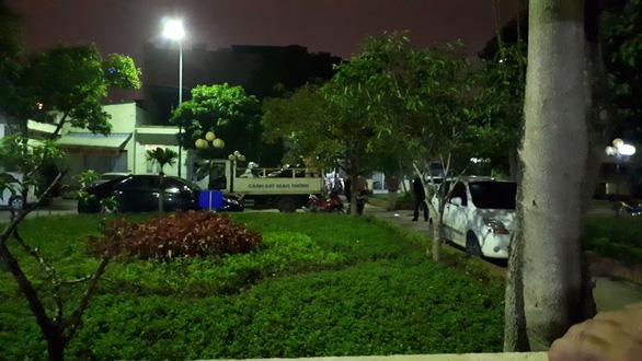 Hai nhóm bắn, chém nhau, 5 người nhập viện - Ảnh 2.