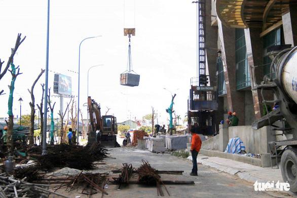 Mường Thanh Khánh Hòa cắt ngọn xong 3 tầng xây vượt - Ảnh 3.