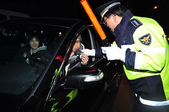 Hàn Quốc: tái phạm say rượu lái xe là bị bắt ngay - Ảnh 1.
