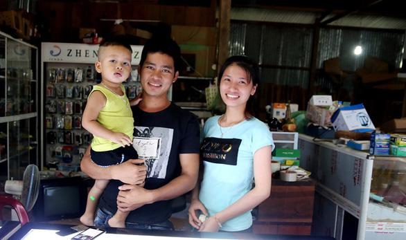 Cử nhân trẻ qua Lào lập nghiệp - Ảnh 1.