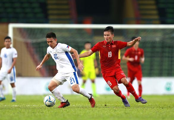 Tuyển Việt Nam ưa đấu trên sân khách - Ảnh 1.