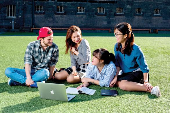 Những hình thức du học mới giúp con có bằng cấp quốc tế 100% - Ảnh 1.