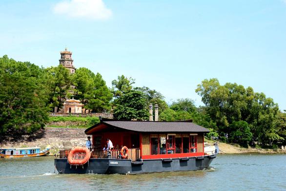 Sông Hương có du thuyền mới - Ảnh 2.
