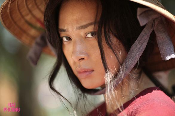 Hai Phượng của Ngô Thanh Vân 'tả tơi' trong teaser đầu tiên - Ảnh 4.