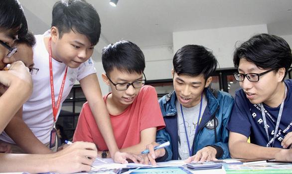 Tri thức trẻ vì giáo dục: Mạng gắn kết sinh viên - nhà trường - Ảnh 1.