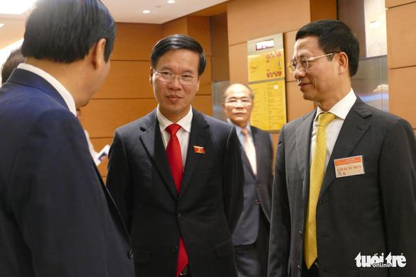 Ông Nguyễn Mạnh Hùng chính thức là bộ trưởng Bộ Thông tin - truyền thông - Ảnh 1.