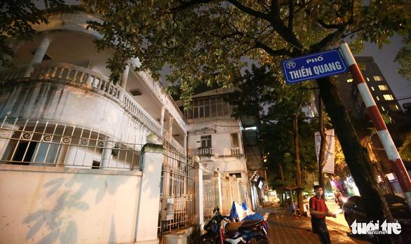 Bộ vest cũ màu và căn nhà số 5 phố Thiền Quang - Ảnh 1.