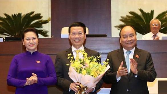 Ông Nguyễn Mạnh Hùng chính thức là bộ trưởng Bộ Thông tin - truyền thông - Ảnh 2.