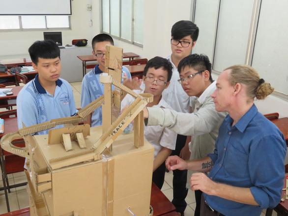 Xu thế ngành học STEM và lợi thế bài thi ACT - Ảnh 1.