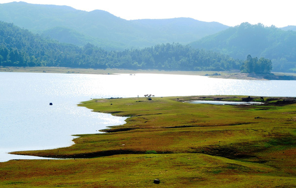 Cuối tuần đi ngắm hồ Phú Ninh mùa nước cạn - Ảnh 7.