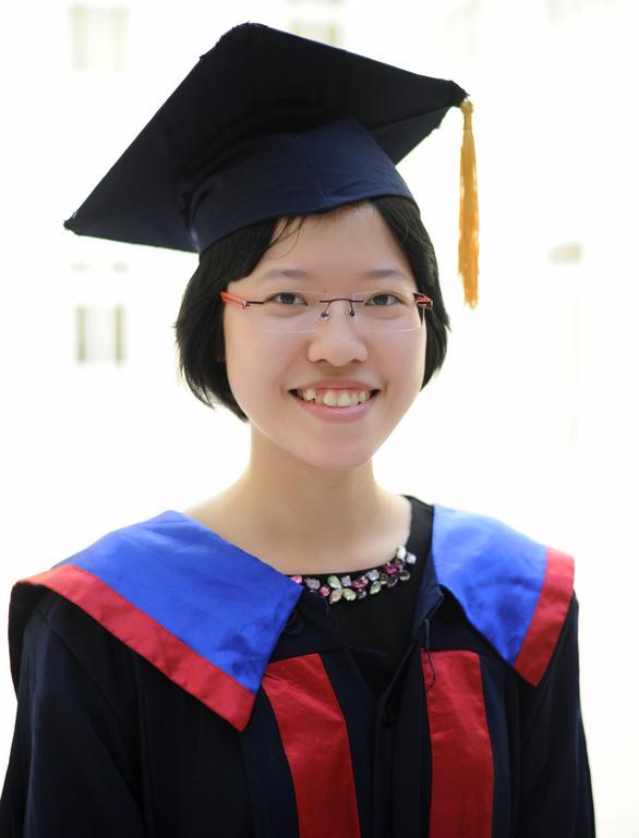 Thủ khoa tốt nghiệp đại học: Sinh viên không chỉ có việc học - Ảnh 3.