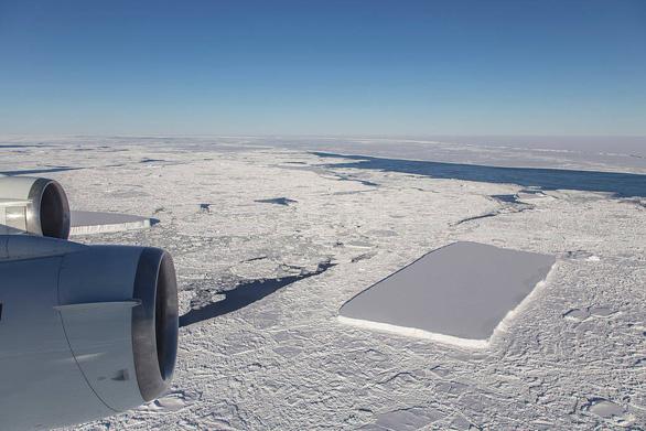 Tảng băng A68 gây bão mạng có chị em sinh đôi - Ảnh 1.
