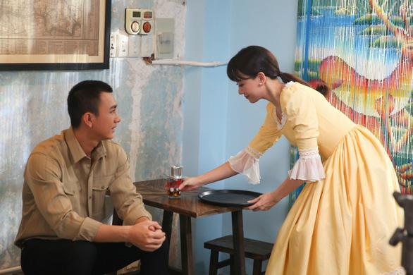 Hari Won bất ngờ trình làng phim ngắn Là cả bầu trời - Ảnh 1.
