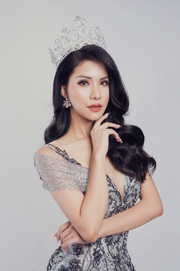 Tiếp viên hàng không VN thi Hoa hậu quý bà quốc tế 2018 - Ảnh 1.