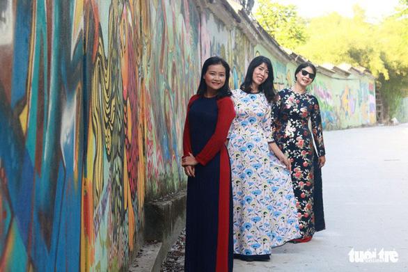 Con đường graffiti hút hồn bạn trẻ xứ Huế - Ảnh 6.