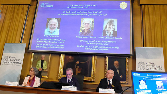 Nobel Vật lý 2018 gọi tên công nghệ laser: Mở ra những chân trời khoa học - Ảnh 1.