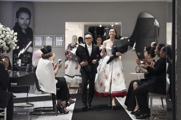 Hồ Ngọc Hà tái xuất sàn diễn cùng nhà thiết kế Nguyễn Công Trí - Ảnh 9.