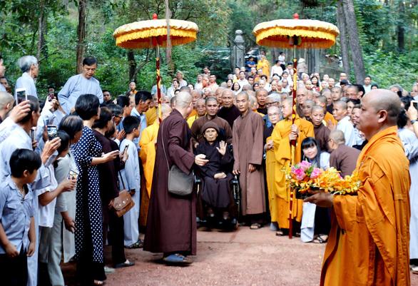 Thiền sư Thích Nhất Hạnh: Về nước để được sống nơi đất Tổ - Ảnh 2.