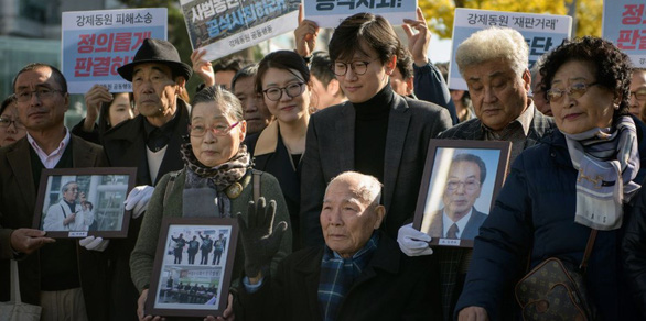 Tokyo nổi giận vì Hàn Quốc tuyên phạt công ty Nhật - Ảnh 1.